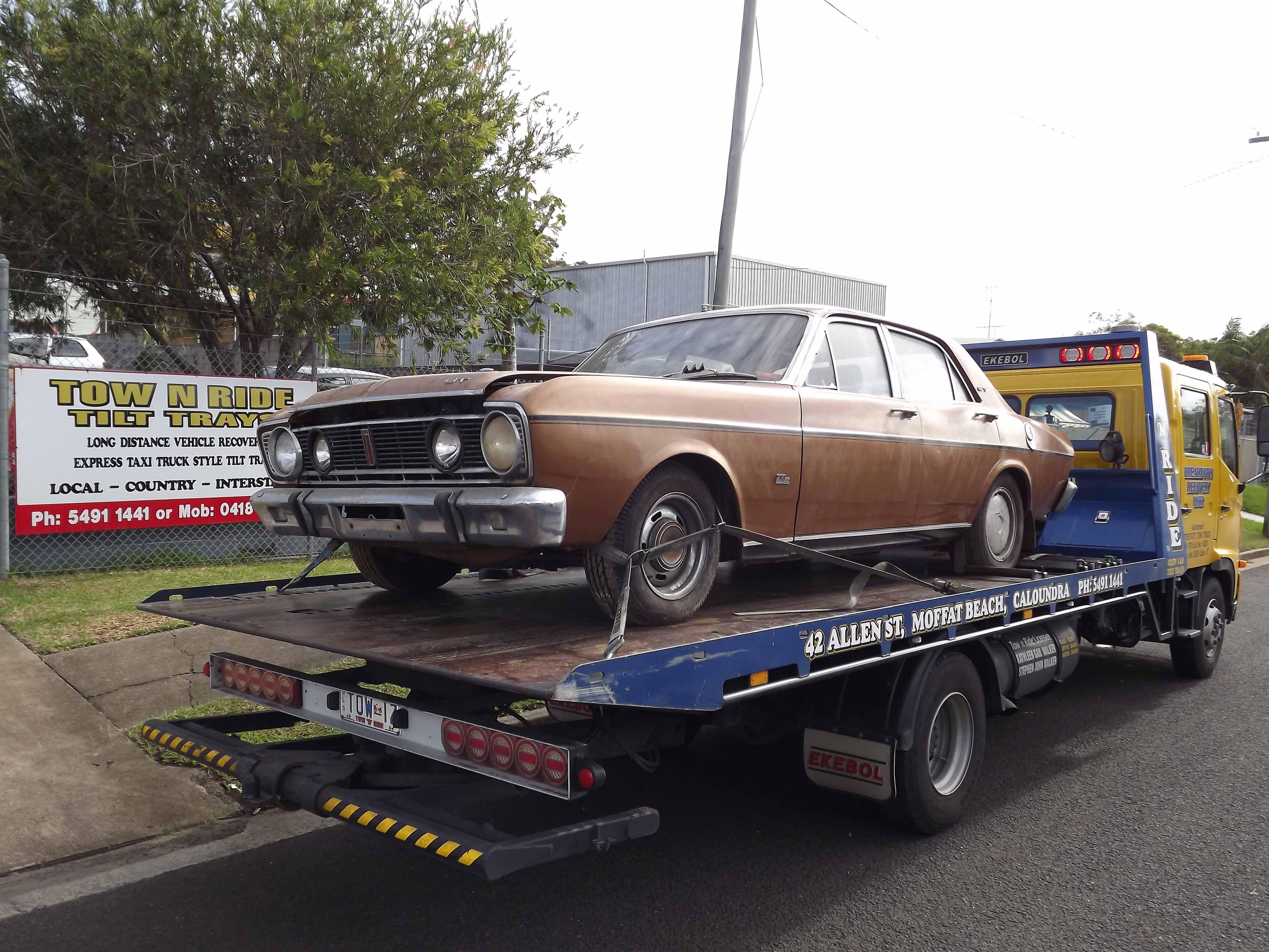 classic car towing sunshine coast
